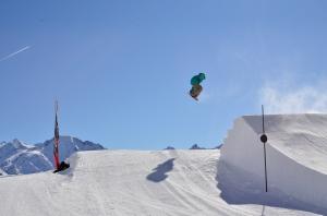 Vivid Snowboard Camps